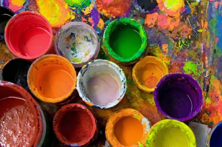 art_studio_paints-768x510